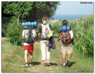 Peregrinos de camino a Barcia