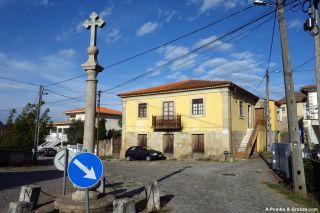 Largo do Rossio, Bassar