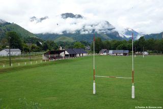 Campo de rugby, llegando a Bedous