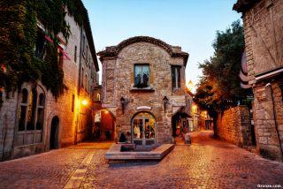 Plaza en la Cité de Carcassonne