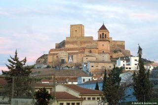Castillo de Alcaudete y la iglesia de Santa María