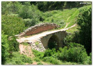 Puente romano a la salida de Cirauqui