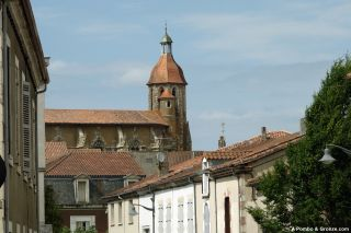 "Casco antiguo y ""catedral"", Eauze"
