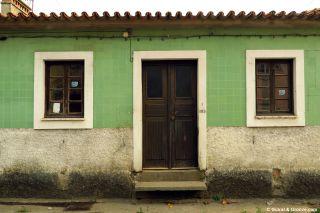 Fachada alicatada en Aguada de Baixo