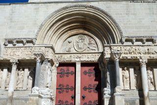 Fachada de la abadía de Saint-Gilles