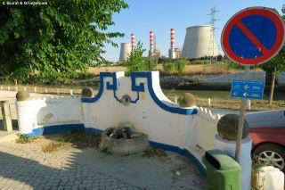 Fuente y chimeneas en Carregado