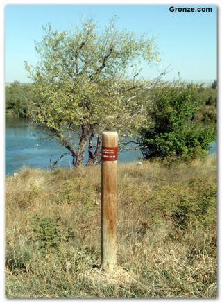 Palo indicador del GR 99; Camino Natural del Ebro