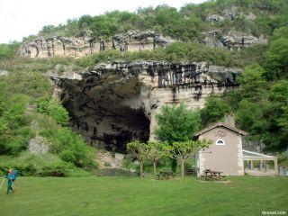Boca de salida de la gruta de Le Mas-d'Azil