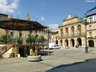 Plaza de la Paz y Ayuntamiento de Haro