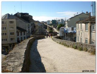 El adarve de la muralla de Lugo