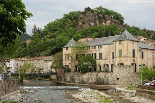 Château, río y ruinas del castillo de Redondel, Lunas