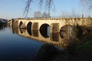 El largo puente sobre el Cávado en la Vila do Prado, en el Camino de Braga