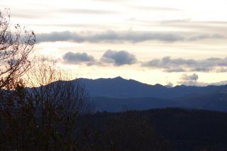 Ver amanecer tras la Cordillera Cantábrica
