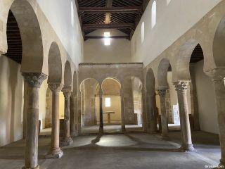 Nave de la iglesia del Monasterio de San Miguel de Escalada