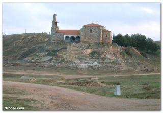 Ermita de Santa María del Castillo, a la salida de Montamarta