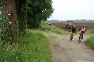 Ciclistas hacia Pau