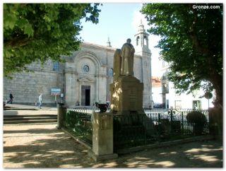 Estatua de Rosalía del Castro, Padrón