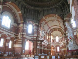 Interior de la basílica de Sainte-Germaine, Pibrac