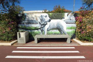 Pintura en el muro de las vía del tren en Vila Franca de Xira