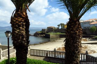 Playa da Ribeira y castillo de San Carlos, Fisterra