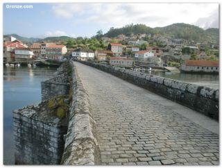 Puente medieval sobre el río Verdugo