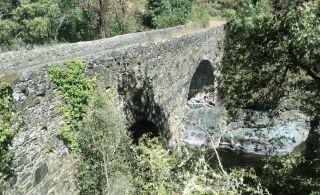 Puente sobre el río Tuela
