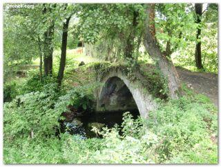 Puente medieval de Recuna, de camino a Pola de Siero