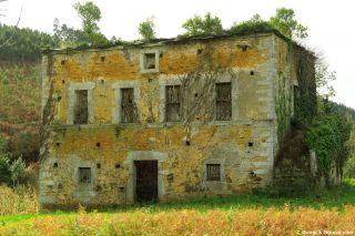La Torre de los Moros, un antiguo caserón abandonado en Lantoira
