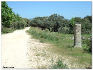 Miliario romano, de camino a Valverde de Valdelacasa