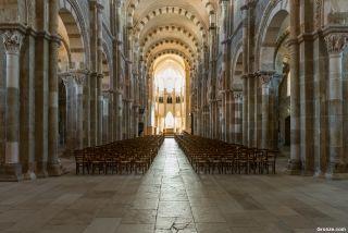 Nave de la basílica de Vézelay