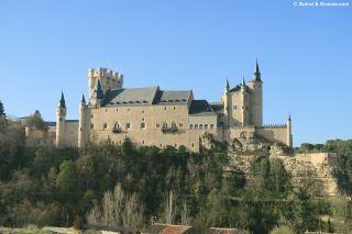 Vista del Alcázar desde la salida de Segovia