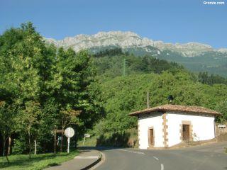 Sierra de Aizkorri, a la salida de Zegama